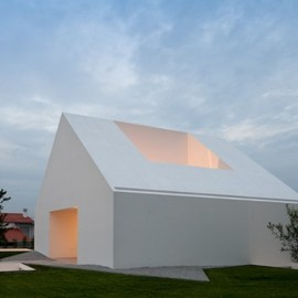 Aires Mateus - House in Leiria, Portugal