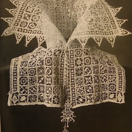 1610 Lace collar possibly cut loose from a camicia or a linen partlet
