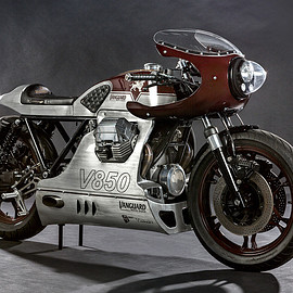 Vanguard Clothing - Moto Guzzi V850 Le Mans built by Wrench Kings/Design by Gannet Design