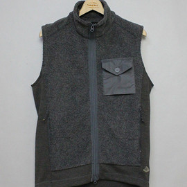 MOUNTAIN RESEARCH - Pile Vest