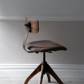 Ormston Saint - 1930's Bauhaus Oak Architects Industrial Chair