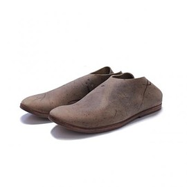 TAKAHIROMIYASHITA The SoloIst. - horse's hoof slip on shoes. -noix.-