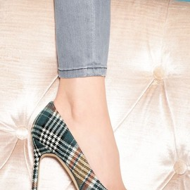 Manolo Blahnik - Manolo Blahnik BB Plaid Pointy Toe Pump