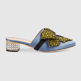GUCCI - Pre-Fall 2017 Satin slipper with removable crystal bow
