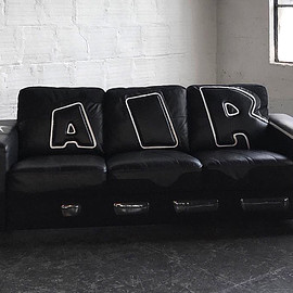 NIKE - Air More Uptempo couch