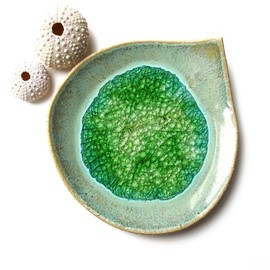 Rainforest leaf dish in stoneware ceramic with recycled glass