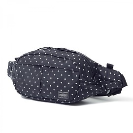 "HEAD PORTER - ""STELLAR"" OVAL WAIST BAG BLACK"