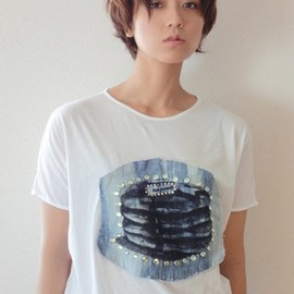 benjamin - hot cake studded tee