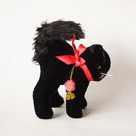 hermann teddy original - black cat / hermann teddy original / germany 1970-80s