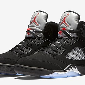 NIKE - AIR JORDAN 5 RETRO METALLIC SILVER