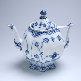 Royal Copenhagen - Blue Fluted Full Lace Tea Pot