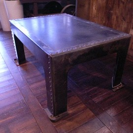 France antique - OLD RIVETED TANK'S COFFEE TABLE