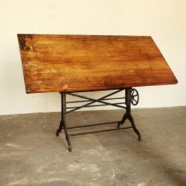 Unknown - EARLY 20TH CENTURY DRAFTING TABLE