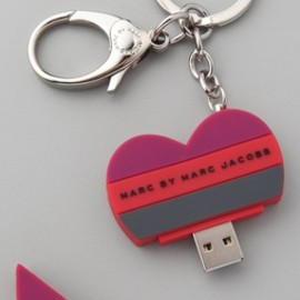 Marc by Marc Jacobs - Heart USB Keychain