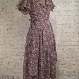 vintage - 70s Lavendar Cotton Floral Wrap Dress