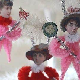 oldworldprimitives - Chenille Valentine Ornaments - Victorian Inspired, Set of Three