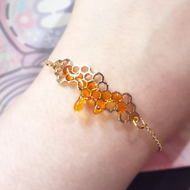 Jelly Ultra - *PREORDER* Detailed Honeycomb Bracelet