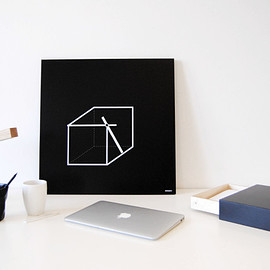 dESIGNoBJECT - Cube Wall Clock close