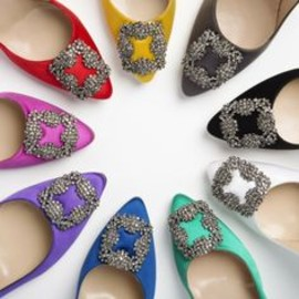 Manolo Blahnik - the Hangisi in every color