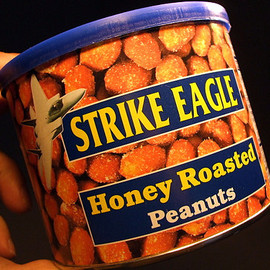 STRIKE EAGLE - Honey Roasted Peanuts