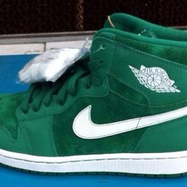 Nike - NIKE AIR JORDAN 1 RETRO HIGH OG GREEN SUEDE