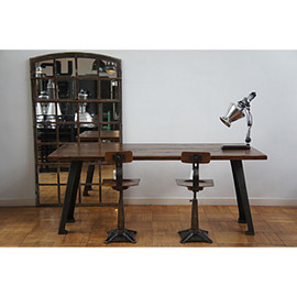HOUSE OF FERTRAVAIL - INDUSTRIAL TABLE