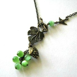 Luulla - Grape necklace jewelry with green cats eye beads and bronzed sparrow