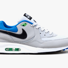 NIKE SPORTS WEAR - Air Max Light