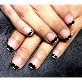 moustache french nail ヒゲフレンチネイル
