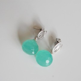 Luulla - Aqua green Onion Briolette Dangle Earrings