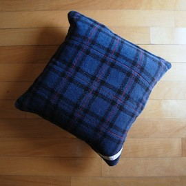 PHINGERIN - CUSHION