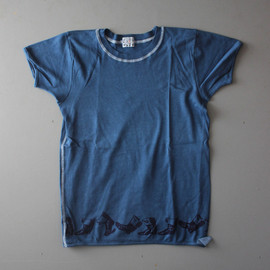 TENDER Co. - TYPE 353 WOAD DYED WALKING BOOTS PRINT TSHIRT