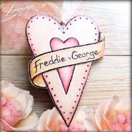 Luulla - Personalised Wooden Scroll Heart