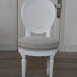 Sarah Glace - FRENCH RIBBON CHAIR ANTIQUE WHITE