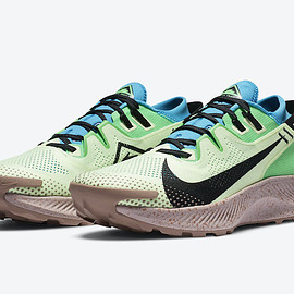 NIKE - Pegasus Trail 2 - Barely Volt/Laser Blue/Poison Green/Black