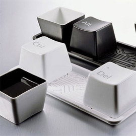 fashion - [ghyxh33001]Chic Creative Gift Keyboard Ctrl Alt Del Print 1 Set/3pcs Cups with Plate