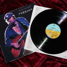 Neil Young - Freedom (Record: Reprise WI 25889)