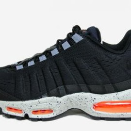 Nike - NIKE AIR MAX 95 EM BLACK/BLACK-BRIGHT CITRUS-STRATA GREY