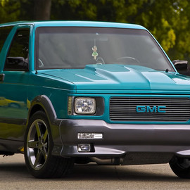 General Motors - GMC Typhoon