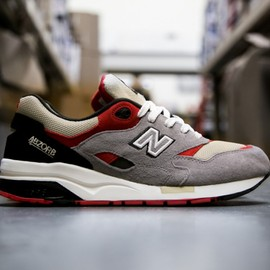 New Balance - Elite 1600 - Propaganda Pack