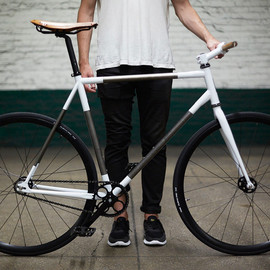 RAPT STUDIO - Trophy Bike