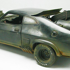 MAD MAX - 1/18 V8 INTERCEPTOR