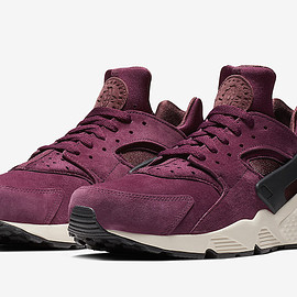 NIKE - Air Huarache Premium - Bordeaux/Light Bone/Black/Black