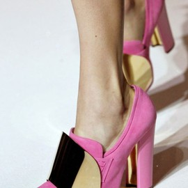 YVES SAINT-LAURENT - Spring 2012