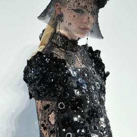 CHANEL - Haute Couture Fall/Winter 2009.