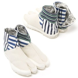"SOU・SOU - ""Tabi Split-Toe Shoes"" (White Sashiko and Stripes)"