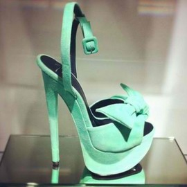 mint color heel