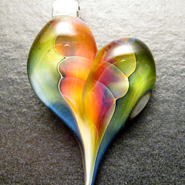 Luulla - Heart pendant - Glass lampwork jewelry charm - Boomwire Glass