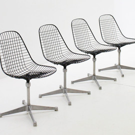 Herman Miller - Set of four wire chairs - Charles and Ray Eames