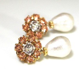 MiyabiGrace - Flowers and Dewdrops: Cotton Pearl Earrings with Swarovski Crystals, 花とつゆ:スワロフスキー付しずくコットンパールピアス